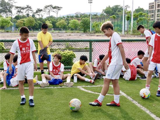 握好接力棒  续写足球援疆新篇章